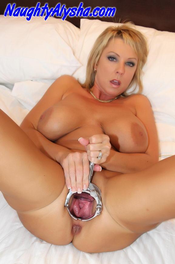 порнофото с сайта naughty alysha